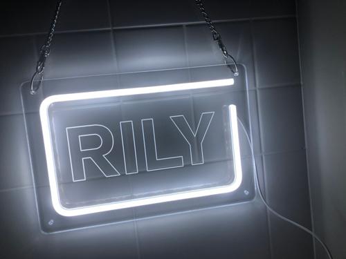 オリジナルグッズ:RILY アクリルネオンサイン