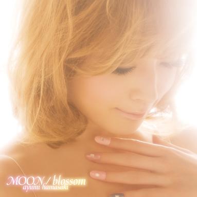 「MOON / blossom」 LIVE会場限定盤